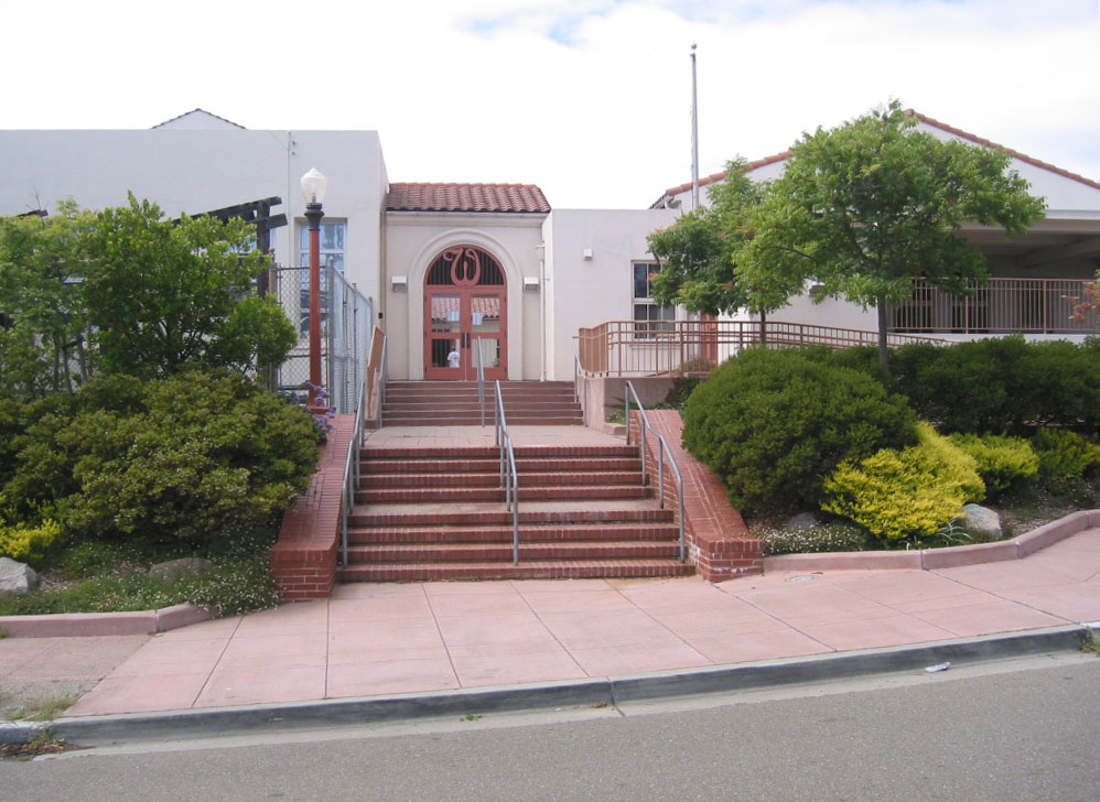 PUSD-WES_Main Entrance - Existing